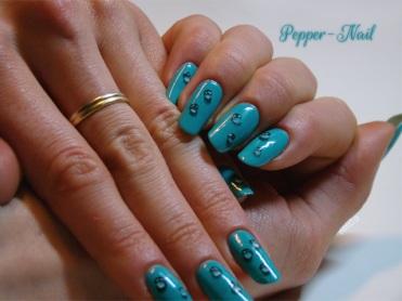 nail_art_17_winter_teardrops_03