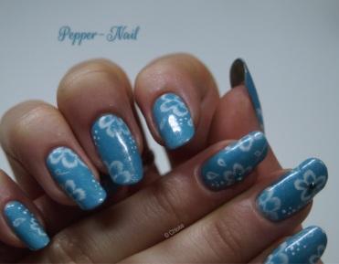 nail-art-21-fleurs-monochromes-06