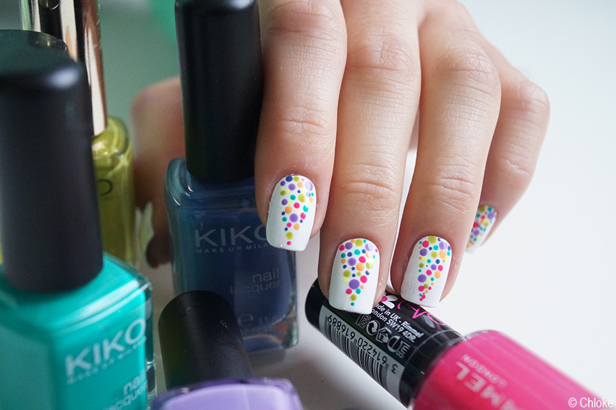 Nail_art_157_rainbow_dot_triangle_03