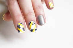 nail_art_190_complholo_lesnpafontleprintemps_14