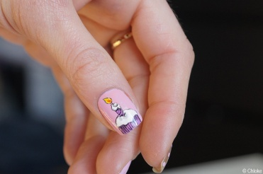 Nail_art_197_eighteenth_birthday_01