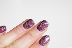 nail_art_203_stamping_arabesques_let_me_in_04