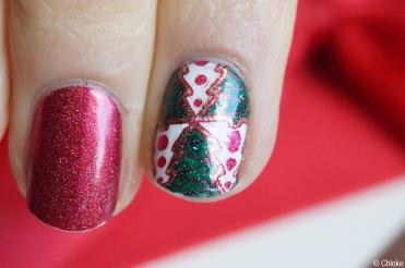 nail_art_232_avent_calendar_reverse_stamping_christmas_tree_07
